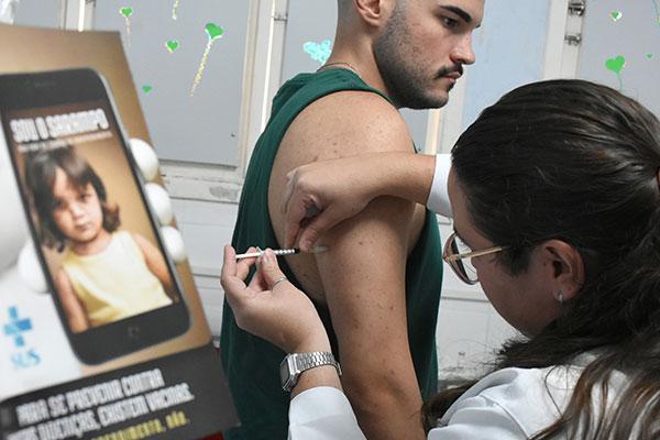 Dezoito estados no País atingiram as metas de vacinação preconizadas pelo Ministério da Saúde para prevenção do sarampo