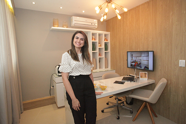Ao buscar a piscologia na arquitetura, Rafaela Lopes aprofundou seus estudos na área de neurociência. Ela ressalta que não existe ambiente neutro. Ou ele te beneficia ou te prejudica, diz