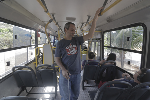 Sidney Santos reclama das barreiras que enfrenta para ir e vir
