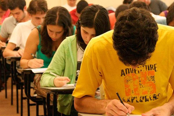 Resultado do Enem 2020 é previsto para ser divulgado no final de março, diz Ministério da Educação