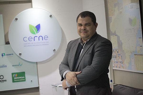 Darlan Santos - parques eólicos geram uma cadeia de trabalhos