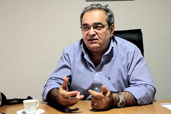 Álvaro Dias, filiado ao MDB