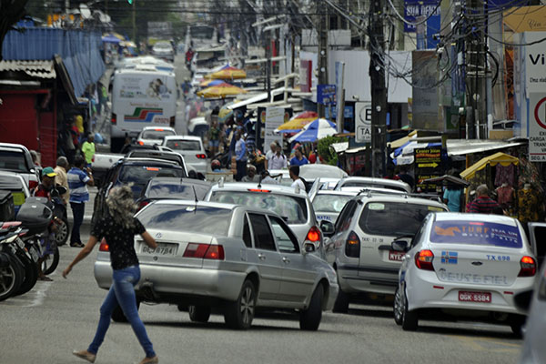 Bairros com maiores problemas de estacionamento público devem ser atendidos pelo projeto do parquímetro