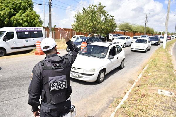Oitocentos policiais militares vão participar da operação que visa reforçar segurança no período de veraneio no Estado