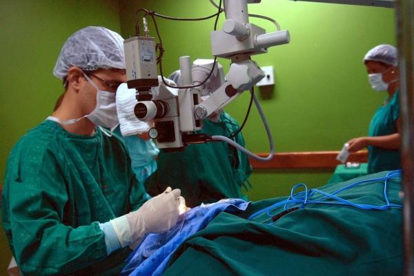 Cirurgias eletivas foram suspensas por tempo indeterminado, com exceção das operações ortopédicas e vasculares