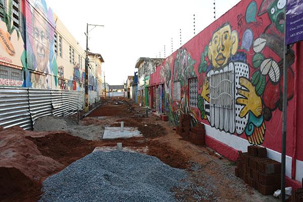 Obras do Espaço Ruy Pereira começaram em novembro e tem previsão de conclusão em fevereiro, dentro do Plano de Mobilidade de Natal. A rua foi a segunda a ganhar uma coleção de grafites