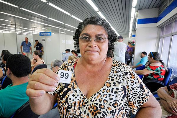 Há cinco meses Francineide Paulino aguarda retorno de pedido