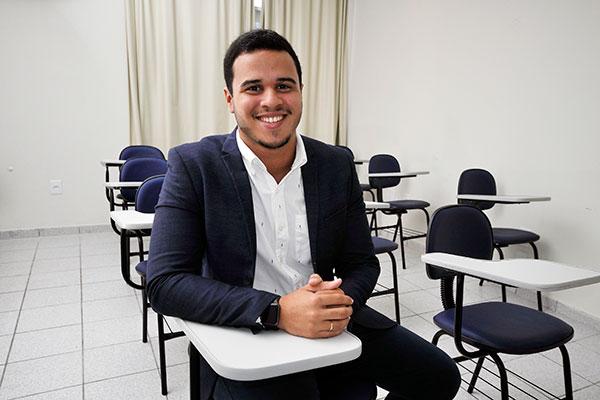 Luís Felipe Nascimento, professor de história e diretor da Inovati Cursos Preparatórios