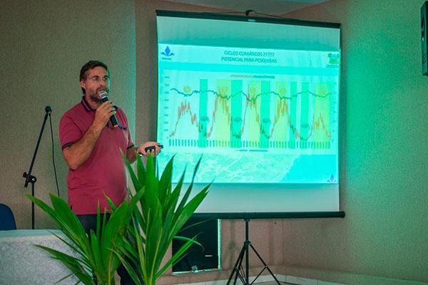 Chefe de Unidade de Meteorologia, Gilmar Bristot, fez avaliações do resfriamento dos oceanos Pacífico e Atlântico