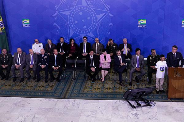 Bolsonaro discursa em cerimônia com crianças da Venezuela que foram atendidas na Operação Acolhida
