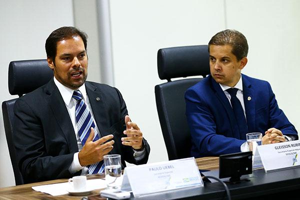 Secretário Paulo Uebel disse que carreiras dos atuais servidores não devem ter mudanças