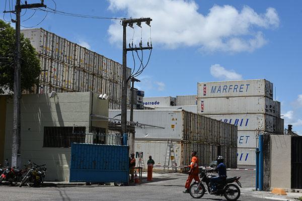 Um ano após a primeira apreensão de drogas, o Porto de Natal ainda opera sem escâner de contêiner, principal equipamento para fiscalizar as cargas dentro dos contêineres