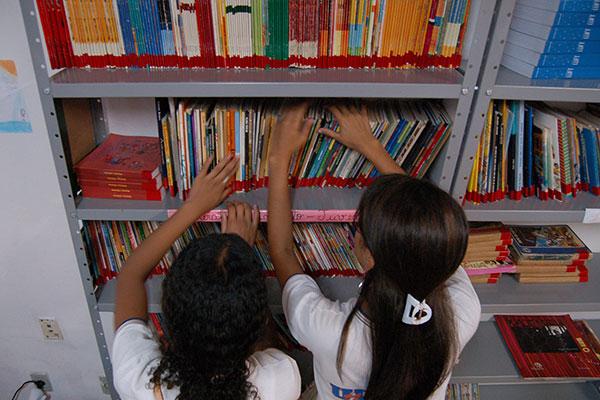 O decreto publicado pela governadora prorroga a suspensão das aulas e outras atividades (lista completa no final da matéria)