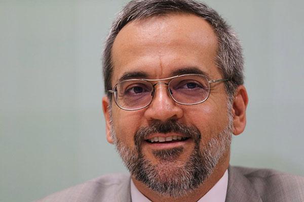 Ministro da Educação, Abraham Weintraub, usou redes sociais para mitigar problemas no Sisu