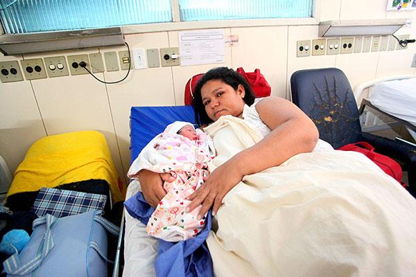 Elaine de Azevedo, de 35 anos , foi a última gestante admitida antes da suspensão das internações