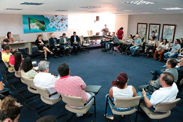 Secretários apresentam, aos representantes do Fórum dos Servidores, a proposta de reforma do governo estadual