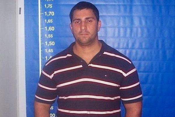 Adriano é ex-militar da PMRJ