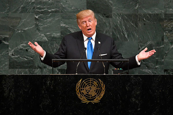 """Donald Trump defende que o novo """"pacote"""" seja aprovado nos próximos dias no Congresso"""
