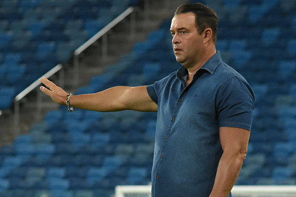 Roberto Fernandes deve usar os titulares contra o CRB na Arena