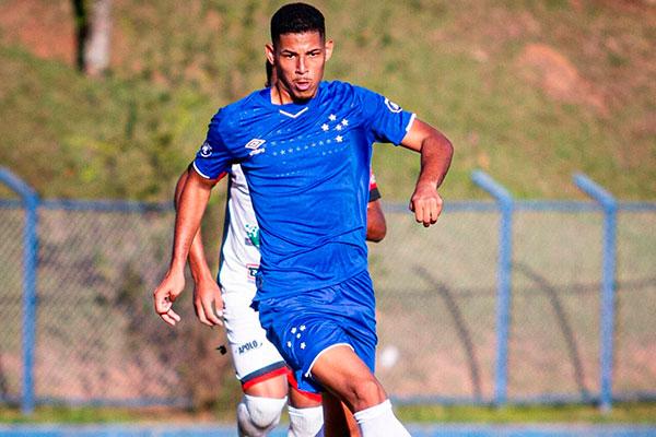 Zé Eduardo, jogador revelado no RN e contratado pelo Cruzeiro