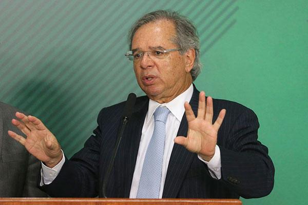 Ministro da Economia, Paulo Guedes, acumula declarações polêmicas e disse, em evento, que usou termos da época de professor