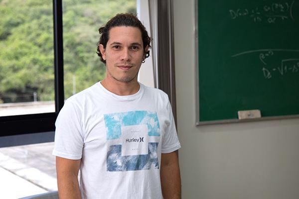 Rafael Chaves, pesquisador do IFF e professor da ECT-UFRN, foi premiado pelo Instituto Serrapilheira