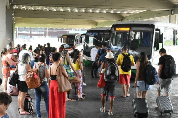 Natalenses embarcam para o carnaval em cidades do RN
