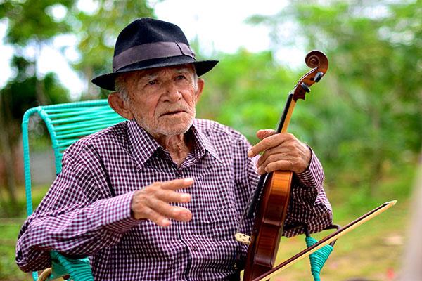 Poeta popular Xexéu foi contemplado com prêmio em 2009