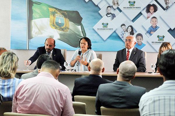Em coletiva, governadora Fátima Bezerra e o titular da Sesed, Coronel Araújo, apresentaram dados