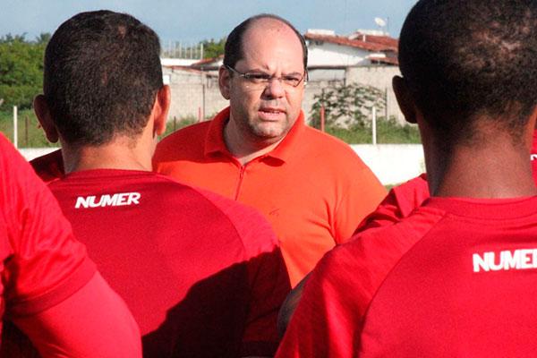 Leonardo Bezerra, presidente quer preservar funcionários