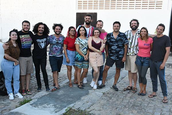 Pausa para a foto com elenco, direção eprodução de 'Moby Dick' no primeiro dia de encontro com o diretor Martín Erazo, que veio do Chile a convite do grupo