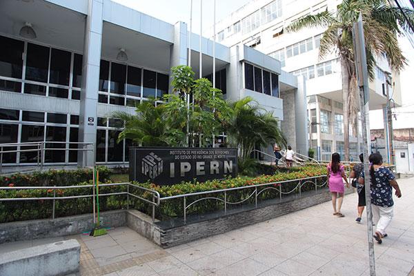 Ipern afirma que foram benefícios concedidos de forma legal, pela Lei da Carteira Parlamentar, que vigorou entre 1979 e 1993