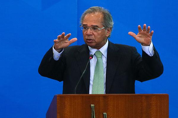 Ministro Paulo Guedes afirma que com o novo tributo, o governo federal poderá mudar o IRPF