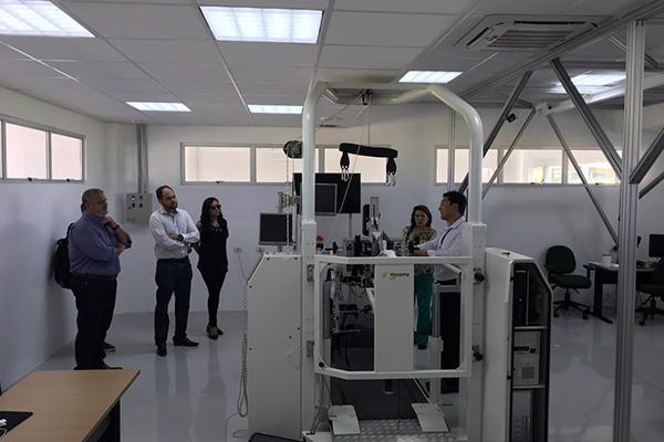 Comitiva do Banco do Nordeste, formada pelo superintendente no RN, Jorge Bagdeve, conheceu a estrutura do Campus do Cérebro