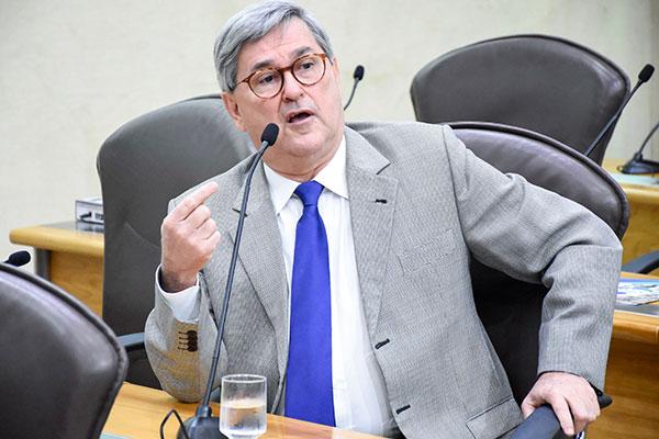 Tomba Farias afirma que há reconhecimento da necessidade e reforma, mas sem punir os servidores