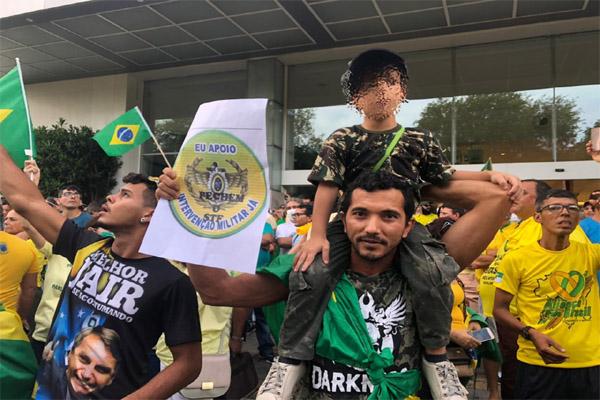 Juvanil Galdino, autônomo de 38 anos morador do bairro de Cidade da Esperança, que participa do ato em Natal na tarde deste domingo
