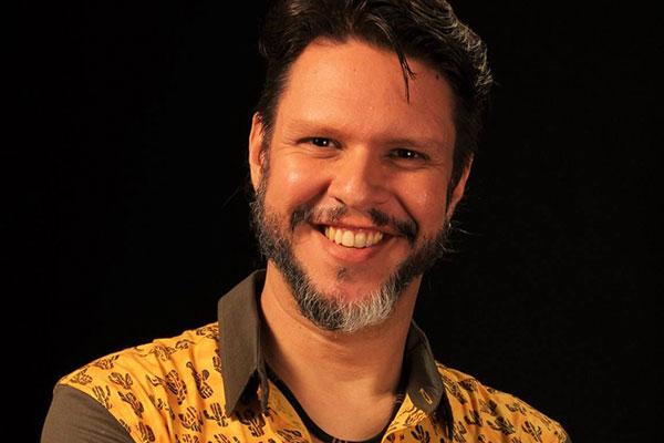 Marco França, ex- Clowns de Shakespeare, assina a direção musical