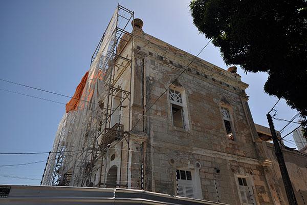 Entre andaimes e lonas, reforma do Teatro  Alberto Maranhão segue em ritmo contínuo, mas sem previsão de conclusão. A obra está sendo acompanhada por comissão formada por membros ligados ao setor de teatro