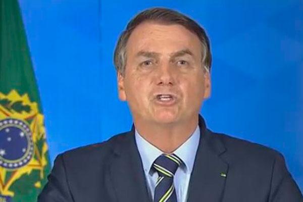 Jair Bolsonaro elogiou as ações do ministro da Saúde, Luiz Henrique Mandetta, no planejamento estratégico de esclarecimento