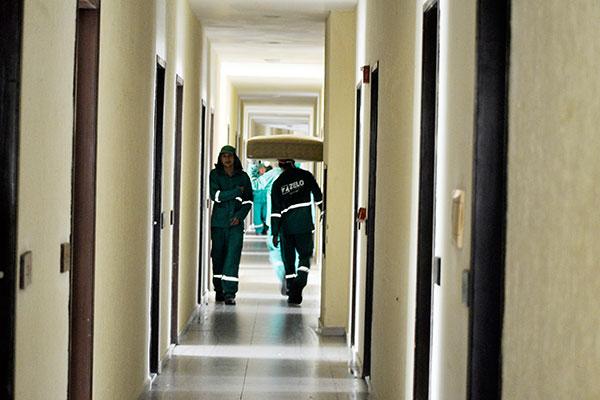 Hospital de campanha no Parque da Costeira, sob a responsabilidade do Município, não tem data para instalação de leitos de UTI