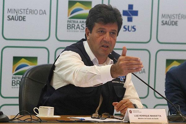 Luiz Henrique Mandetta assegura que vai permanecer no cargo de ministro da Saúde