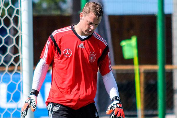 Neuer considera jogadores privilegiados e aceitou redução