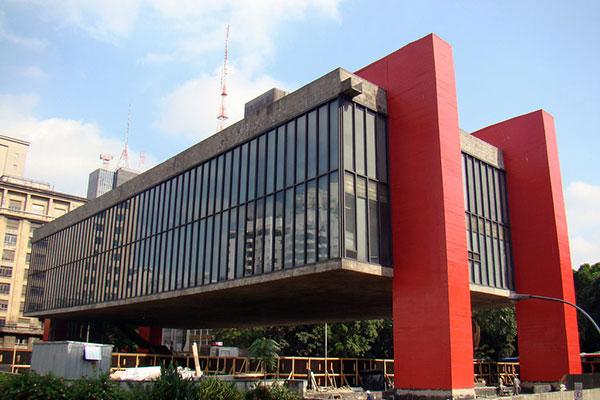 O MASP, em São Paulo mantém exposições repletas de obras importante da arte moderna do País