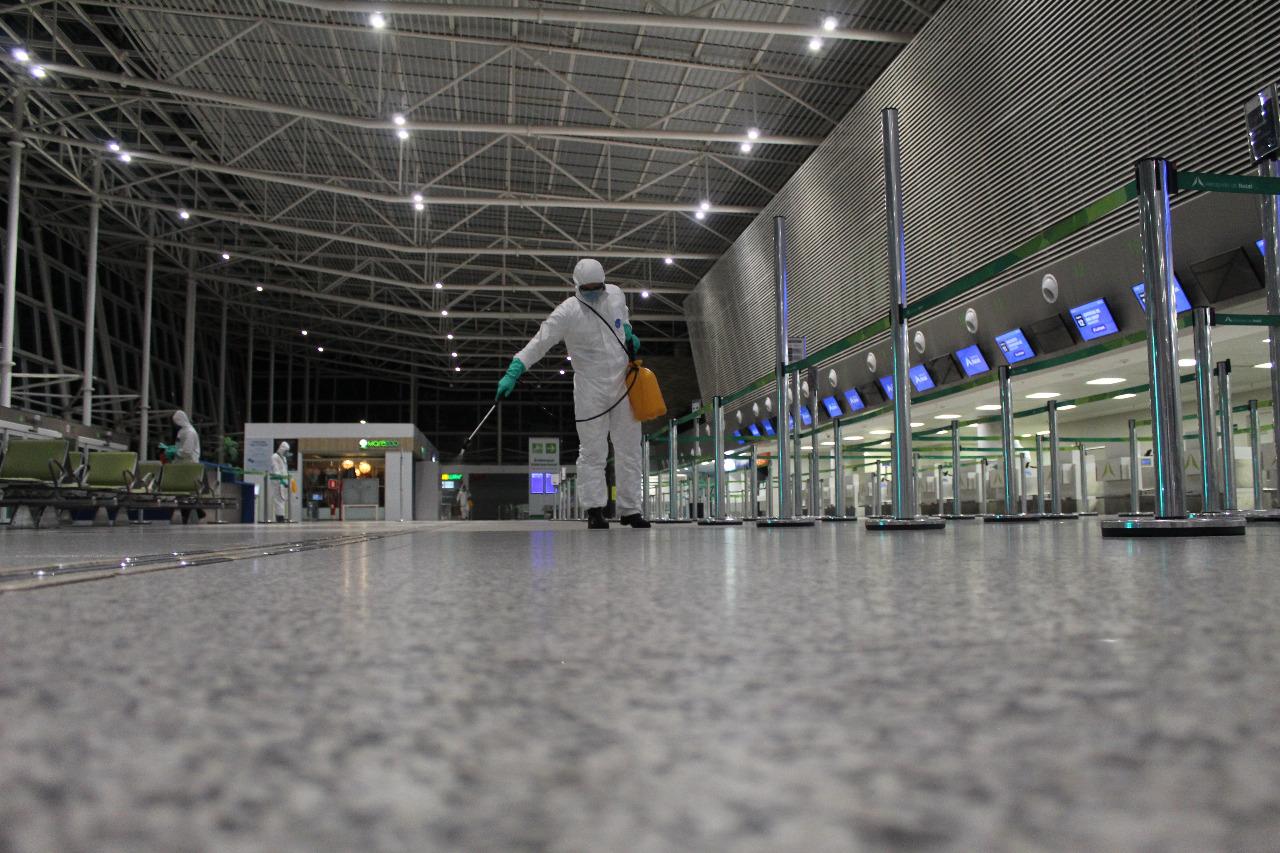 O Aeroporto Aluízio Alves foi desinfectado neste domingo