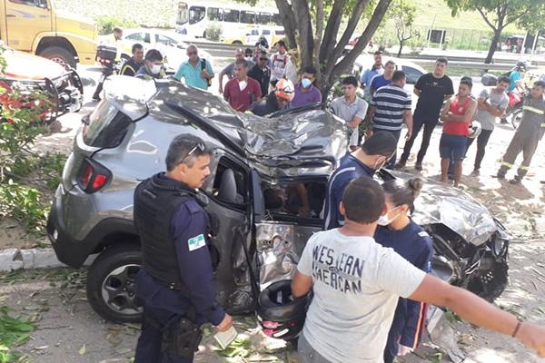 Vítima do assalto morreu após colidir veículo em perseguição
