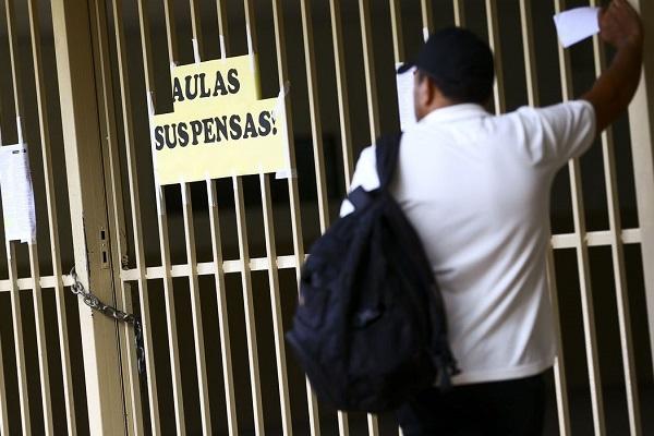 Justiça diz que 70% dos funcionários do administrativo