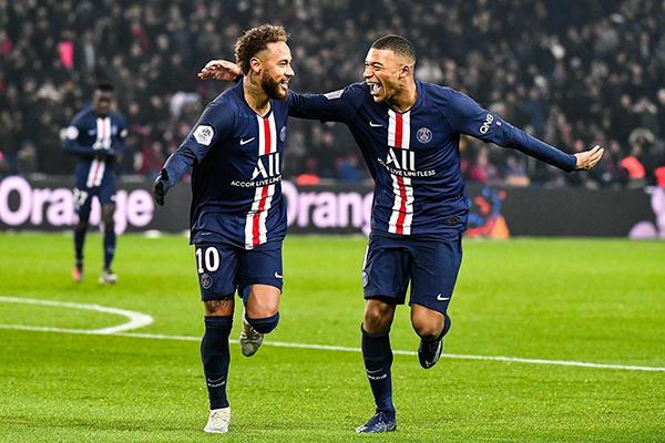 Dupla Neymar/Mbappé foi desvalorizada em mais de meio bilhão de reais devido a crise financeira