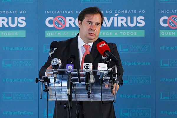 Segundo o parlamentar, o governo deveria ter acionado a AGU e solicitado uma reunião com Celso de Mello