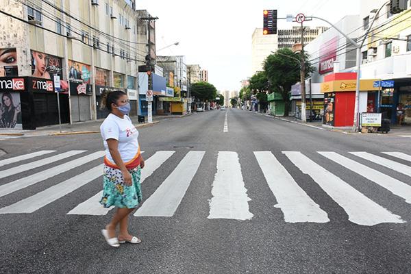 Na passagem de março para abril, maioria das lojas da Cidade Alta (foto), Centro Comercial do Alecrim e shoppings centers estavam fechadas. Vendas ruíram no período