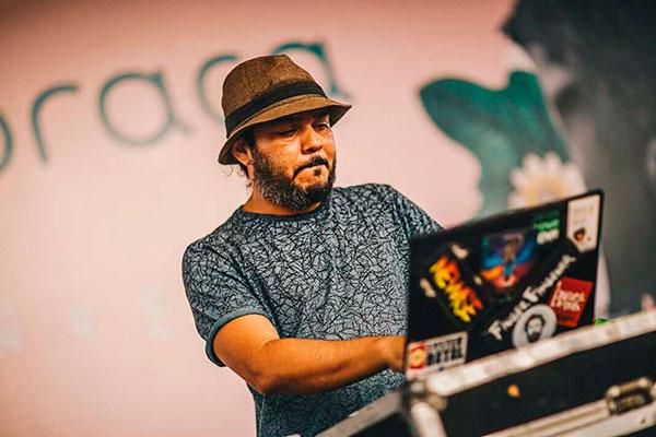 O DJ Russo foi o idealizador do tributo solidário via internet